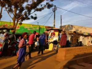 Fußgänger in Kampala, 5. Oktober 2014